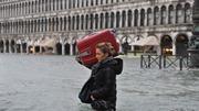844713-italy-venice-floods